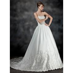 Corte de baile Escote corazón Cola capilla Satén Vestido de novia con Bordado Volantes Bordado