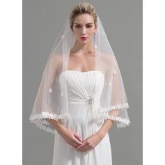 Een-rij Lace Stoffen Rand Wals Bruids Sluiers met Van Toepassing/Kralen