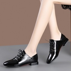 Vrouwen Patent Leather Low Heel Flats أحذية