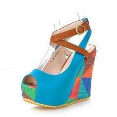 Kvinnor PU Kilklack Sandaler Pumps Kilar Peep Toe med Spänne skor