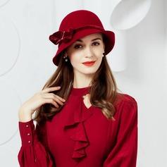 Ull med Bowknot Kastare / Cloche Hat