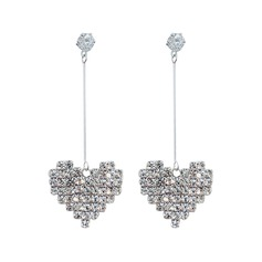Heart Shaped Alloy Rhinestones With Rhinestone Women's Fashion Earrings (Sold in a single piece)