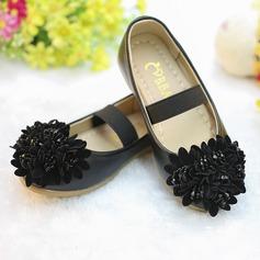 Flicka Stängt Toe konstläder platt Heel Platta Skor / Fritidsskor Flower Girl Shoes med Beading Blomma