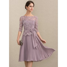 A-Line Scoop Neck Knee-Length Chiffon Lace Mother of the Bride Dress With Bow(s) Pleated (008164068)
