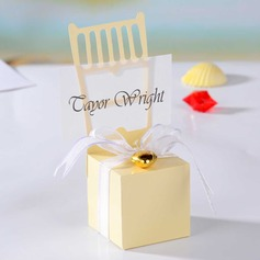 Chair Design Cuboid Favor Boxes With Heart Charm (Set of 12)