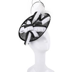 Dames Simple/Gentil/Jolie Batiste avec Feather Chapeaux de type fascinator