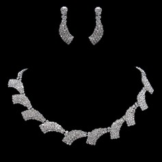 Gorgeous Alloy/Rhinestones Women's Jewelry Sets