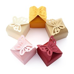 Butterfly Top Cubic Favor Boxes (Set of 12)