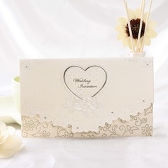 Heart Stil Tri-Fold Invitation Cards  (114032375)