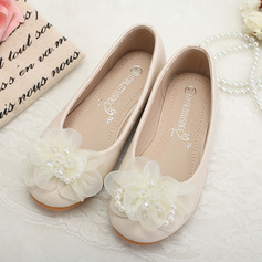 Girl's Closed Toe Leatherette Flat Heel Flats Flower Girl Shoes With Imitation Pearl Flower (207095568)