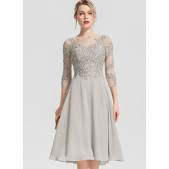 A-Line Scoop Neck Knee-Length Chiffon Cocktail Dress With Beading Appliques Lace (016154230)