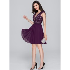 Forme Princesse Col V Court/Mini Mousseline de soie Robe de cocktail (016133067)