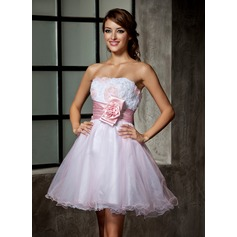 A-Line/Princess Sweetheart Short/Mini Tulle Homecoming Dress With Ruffle Flower(s)