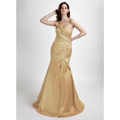 Trumpet/Mermaid Sweetheart Sweep Train Taffeta Prom Dress With Ruffle