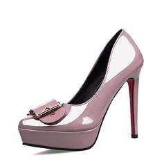 Vrouwen Patent Leather Stiletto Heel Closed Toe Plateau Pumps met Gesp