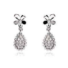 Flower Shaped Alloy/Rhinestones Ladies' Earrings
