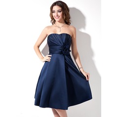 Satin A-Line Sweetheart Knee-length Bridesmaid Dress With Pockets