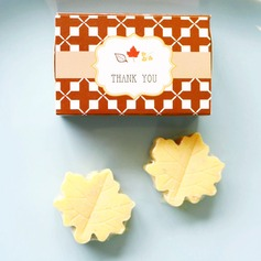 """""""Fall in Love"""" Scented Leaf-Shaped Soaps Wedding Favors"""