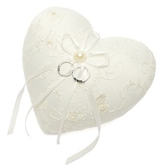 в форме сердца Кольцо подушки с Ленты