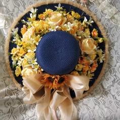 Damene ' Utsøkt/Handmade Raffia Strå/Silke blomst med Silke blomst Strand / Sol Hatter/Tea Party Hats