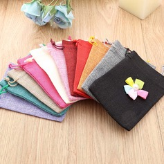Linen Favor Bags With Flowers