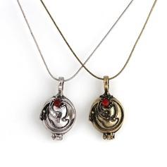 Unique Metal Women's Fashion Necklace