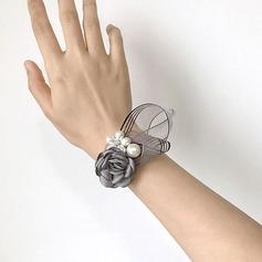 Würdevoll Seide Blumen Blumen-Sets - Armbandblume/Knopflochblume