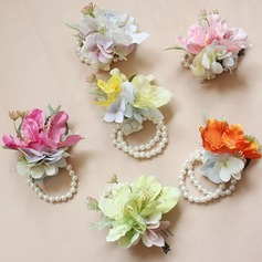 Simple And Elegant Free-Form Flower Sets - Wrist Corsage/Boutonniere