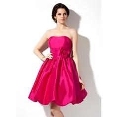 Empire Sweetheart Knee-Length Taffeta Bridesmaid Dress With Ruffle Flower(s)