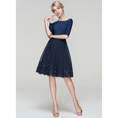 A-Line/Princess Scoop Neck Knee-Length Tulle Cocktail Dress With Sequins (016094366)