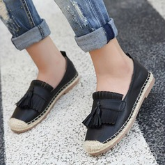 Women's PU Flat Heel Flats Closed Toe With Tassel shoes