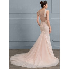 Trumpet/Mermaid Court Train Chiffon Tulle Wedding Dress With Appliques Lace