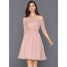 A-formet/Prinsesse Scalloped Hals Off-the-Shoulder Knelengde Chiffong Cocktailkjole