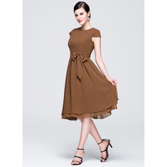 A-Line Scoop Neck Knee-Length Chiffon Bridesmaid Dress With Bow(s) (007017303)