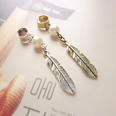 Fashional Alloy/Imitation Pearls Ladies' Earrings