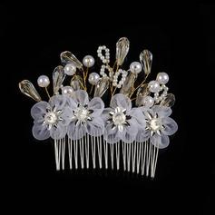Metalliseos/Valetaskua helmi/Silkki kukka Kammataan ja baretti jossa Venetsialaine Helmi (Myyty yhtenä palana)