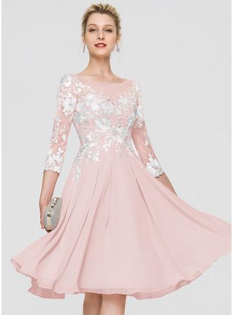 A-Line Scoop Neck Knee-Length Chiffon Homecoming Dress
