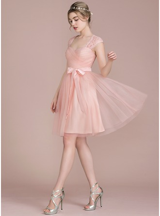A-Line/Princess Sweetheart Knee-Length Tulle Lace Homecoming Dress With Bow(s)