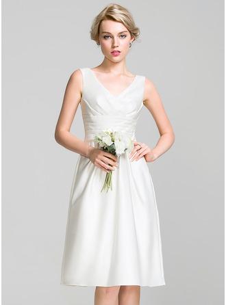 Трапеция V-образный Длина до колен Атлас Платье Подружки Невесты с Рябь