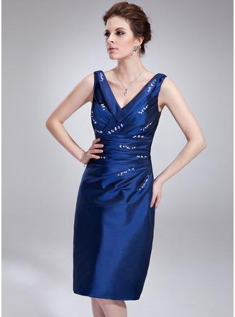 Etui-Linie V-Ausschnitt Knielang Taft Cocktailkleid mit Rüschen Perlen verziert