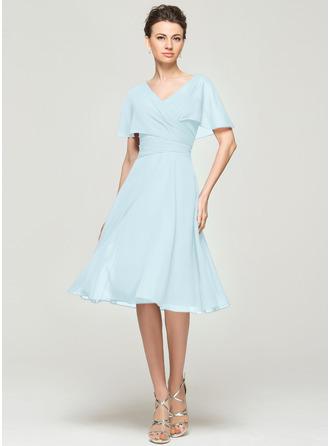 Трапеция V-образный Длина до колен шифон Платье Для Матери Невесты с Рябь
