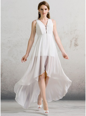A-linjeformat V-ringning Asymmetrisk Chiffong Bröllopsklänning