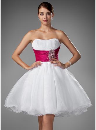 A-Line/Princess Sweetheart Short/Mini Organza Homecoming Dress With Ruffle Sash Beading