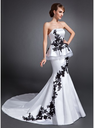 Trumpet/Mermaid Strapless Chapel Train Satin Wedding Dress With Appliques Lace