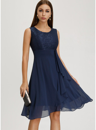 Lace Solid Round Neck Sleeveless Midi Dresses