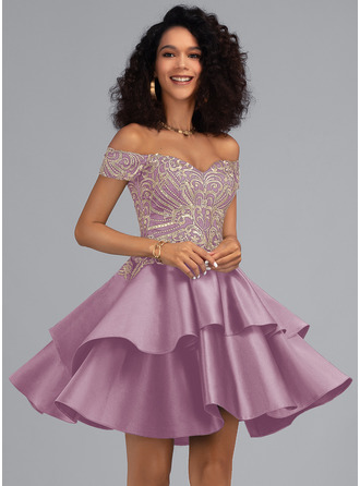 A-Line Off-the-Shoulder Short/Mini Satin Homecoming Dress With Lace