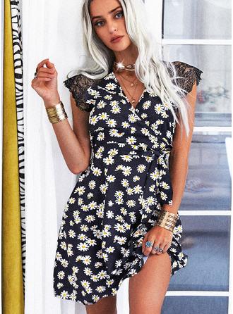 Blomstrete Blonder Trykk A-line kjole Cap-erme Mini Avslappet skater Wrap Motekjoler