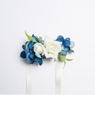 Upea Vapaamuotoinen Satiini/Kangas Ranne kukkakimppu (myydään yhtenä kappaleena) -