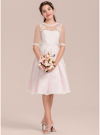A-Line/Princess Scoop Neck Knee-Length Tulle Junior Bridesmaid Dress