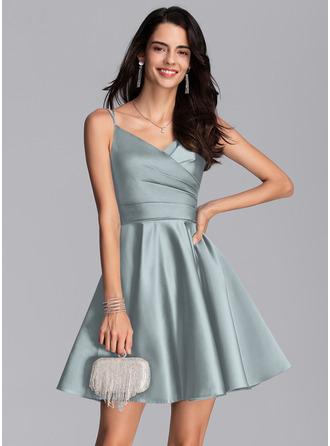A-Line V-neck Short/Mini Satin Homecoming Dress With Ruffle Pockets
